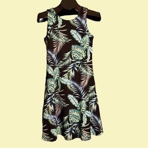 Palm Leaf Swing DressSize S Keyhole Back